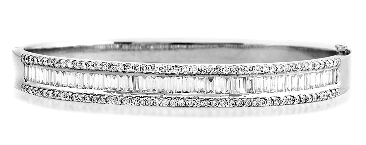 18K White Gold Diamond Bangle 2.00ct H/Si