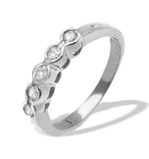 0.25ct Diamond and 9K White Gold Five Stone Ring - Size R